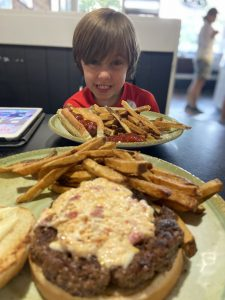 Zuzu's-Best-hamburger-on-St. Simons Island-The Island Directory